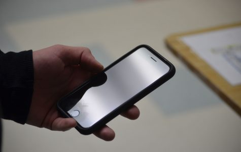 New iPhone impresses more than it troubles