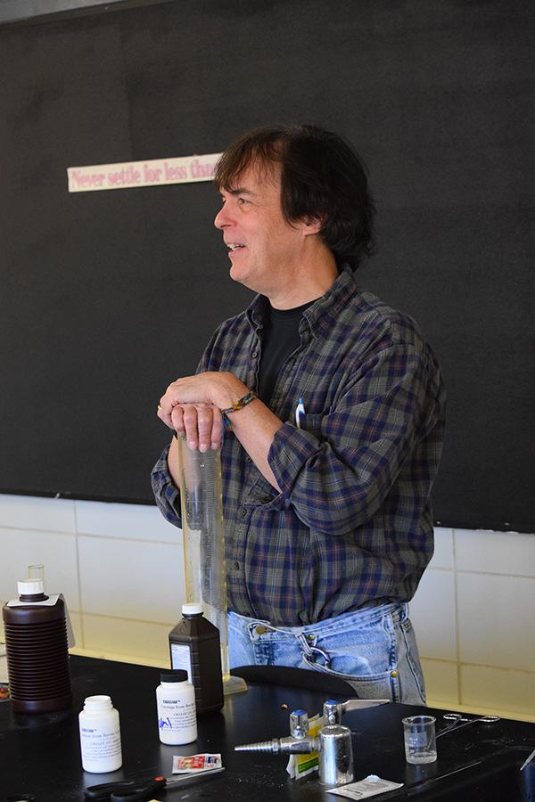 Science teacher Marty Stranathan talks with students about the cellphone policy Nov. 11. Students were encouraged to give their own opinions on the policy and try to come up with possible alternatives to the current mandate.