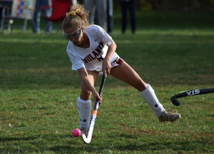 Sophomore+midfielder+Mae+Dickens+controls+the+ball+in+the+MPSSAA++regional+semifinal+Oct.+31.+The+team+went+on+to+win+3-1+against+Catonsville.+